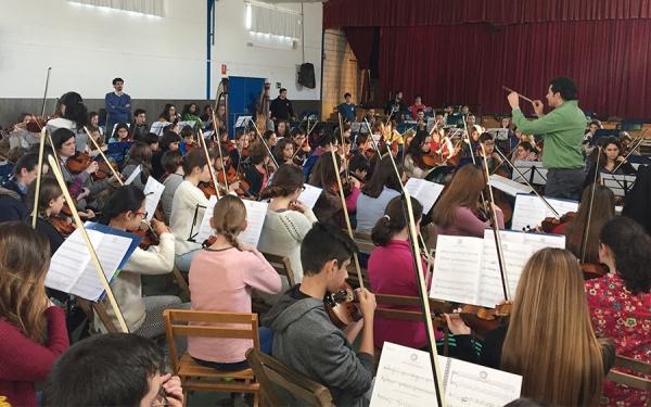 700 alumnos de escuelas de música de Sevilla y Huelva participan en los ensayos de Proyecto Luna